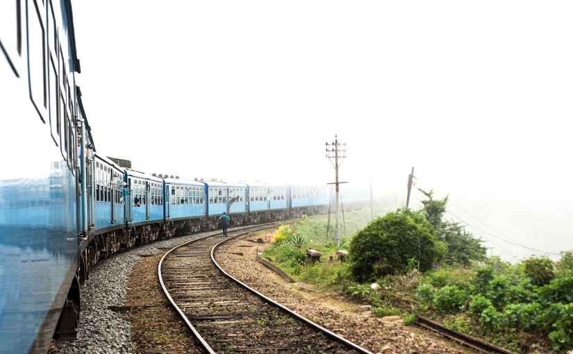 5 Reasons to Travel by Train in Sri Lanka